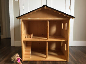 Wooden Doll House and wooden barn