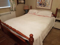 King Size 6' x 5' Double Bed – EXCELLENT condition