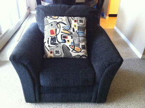Like New 3 piece Sofa