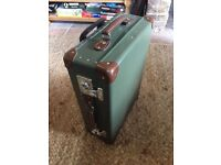 "Globetrotter 21"" Trolley Case Luggage"