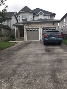 Perfect Detached house in Laurelwood, BETTER than you expected