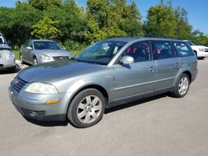 2004 VW Passat Wagon  *** SUNROOF, Leather, Power Opts ***