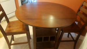 Kitchen/dinning room table