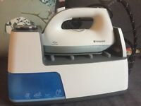 Hotpoint steam iron
