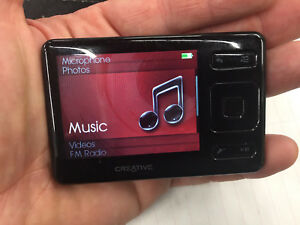 Creative ZEN MP3 / Video Player with FM radio
