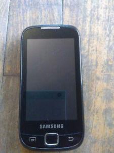 SAMSUNG Galaxy 551 Locked avec Virgin/ BELL NON NEGO
