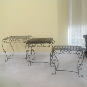 Set of 3 contemporary metal tables