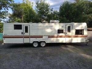 1988 Terry Resort 31' camper trailer