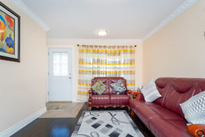 3BR & 2WR House Rent $2,400 Utility incl, Eglinton/Midland Ave