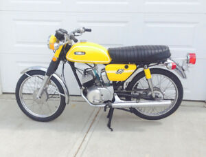 1971 Yamaha 90cc Twin - 1972 Yamaha AT3 - 1971 Kawasaki F6