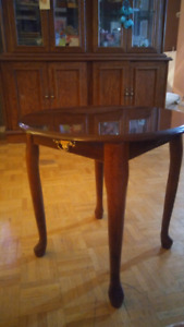 End tables . set of 2 .