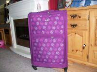 Large AEROLITE Suitcase