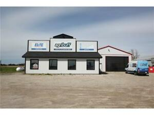 Large Shop located just 30 minutes to Kitchener-Waterloo!