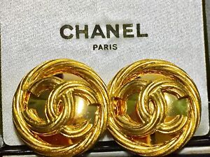SOLD-AUTHENTIC CHANEL Vintage CC Logo clip-on earrings