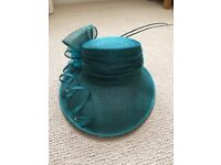 As new *CONDICCI* special occasion hat with storage box