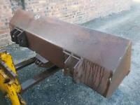 5ft David Brown tractor loader bucket