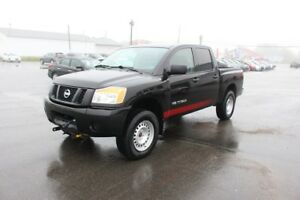2015 Nissan Titan SV COMES WITH PLOW!