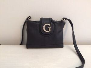 Guess - Adjustable crossbody purse