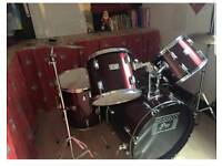 Full drum set and chair