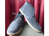 Size 8 blue Cotton Traders desert boots