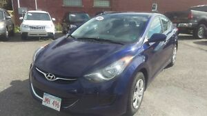 2012 Hyundai Elantra L 6 speed, very clean great kilos