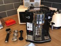 Delonghi EC 820.B Coffee Machine