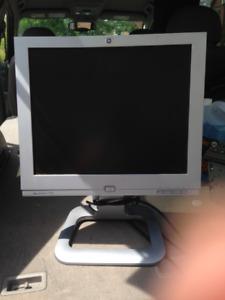 17' HP monitor