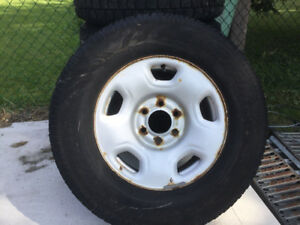 """Ford F-150 6 bolt winter tires and 17"""" rims 265/70R17"""