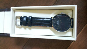 BRAND NEW DANIEL WELLINGTON WATCH
