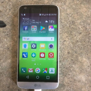 Hardly used, near new Lg G5 cell phone.