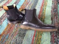 DR MARTIN BOOTS, BLACK SIZE 6. GREAT CONDITION. DM'S
