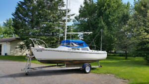 Voilier Catalina 22 pieds / Catalina 22-foot Sailboat