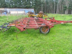 18 ft. Versatile Field Cultivator/ Massey Plow
