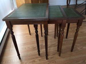 Ens. 3 tables en bois / 3 wooden tables set
