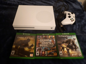 Xbox one 500 gb with 3 games