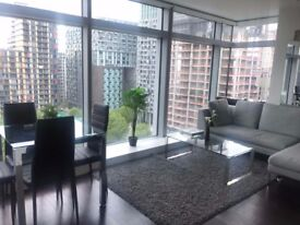 Beautiful 2 bed flat to rent in Canary Wharf