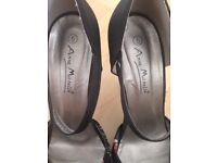 Black and Flowered Stiletto (size 5)