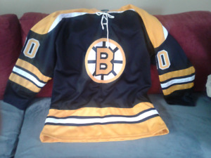 Boston Bruins Autographed Jerry Cheevers hockey jersey