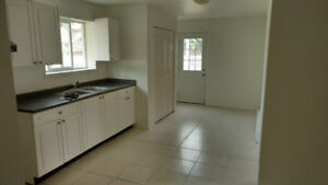 Spacious and bright suite near UVic