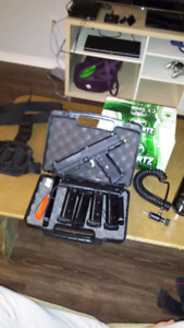 Tippmann Paintball Pistol TipX and gear