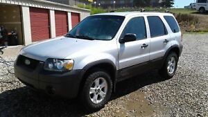 ** 2006 FORD ESCAPE ** LOW KM ** FULLY INSPECTED **