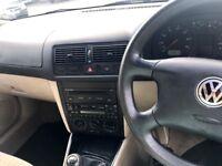 VW 1.6se 5 door hatchback