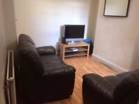 1 double room to rent in 4 bed house on Dunluce Avenue. Close to QUB, Lisburn Road & City Hospital