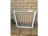 Child safety Gate by Lindam