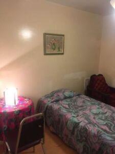 Chambres à louer - 175$/Sem. (occupation double: 225$/sem.)