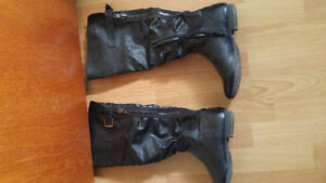 Ladies boots size 7 never worn