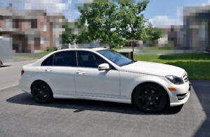 2012 Mercedes-Benz Class C250 4 Matic ( LOW MILEAGE & A+ COND)