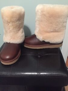 UGGS - size 5