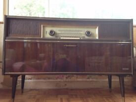 FOR SALE: Vintage 1960s Grundig Radiogram in part working order