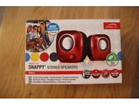 SNAPPY Stereo Speakers - USB Powered, Great for Holiday or Travel - RED